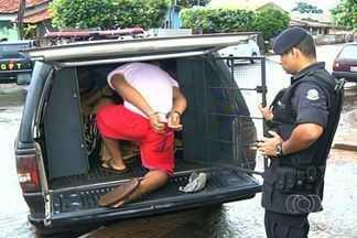 Sete pessoas foram detidas por suspeita de tráfico de drogas em Jataí, GO - Um dos homens presos saiu da cadeia há menos de um mês, depois de cumprir pena pelo mesmo crime.