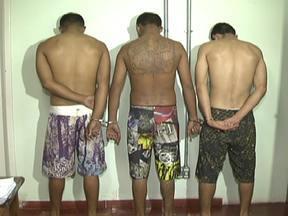 Polícia prende quadrilha de assaltantes em Taguatinga - Os três homens e as duas mulheres já tinham passagem por diversos crimes, incluindo roubo. A polícia apreendeu um carro que estava com o grupo. A polícia acredita que o bando vinha cometendo assaltos desde o dia 21 de dezembro.