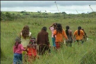 Indígenas em MS vivem em área demarcada após estudo antropológico da Funai - O Bom Dia MS registrou, no sul do estado, as condições em que vivem os índios guarany-kaiowá que foram contemplados com terras indígenas, após um estudo antropológico contratado pela Fundação Nacional do Índio. A área está localizada em Iguatemi.