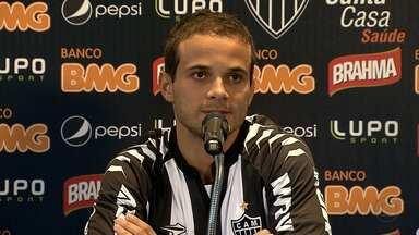 Morais é apresentado como novo reforço do Atlético-MG - Novo meia do Galo revela que pensou em abandonar a carreira aos 28 anos. No Atlético-MG, jogador espera por recomeço vitorioso.