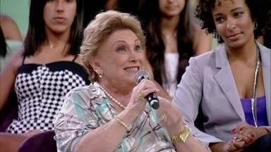 """Nicette Bruno fala sobre a relação entre mães e filhos: 'Aprendi muito com a minha mãe"""" - Paulo Goulart Junior, filho da atriz, agradece sempre à mãe e à avó"""