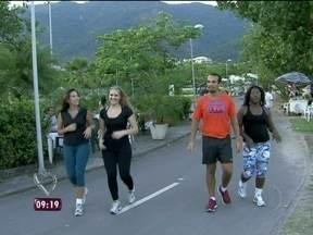 A repórter Marcela Monteiro correu e deu dicas de como evitar as lesões - Aprenda também a escolher a melhor roupa para correr