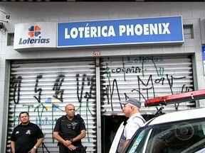 Homem assassinado durante tentativa de assalto em lotérica é enterrado - Ulisses Lucas de Araújo, de 34 anos, foi assassinado no último sábado (19) durante uma tentativa de assalto à uma lotérica, em Diadema. Ele foi confundido com um assaltante.