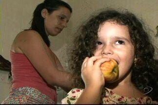 Especialista do ES explica problemas que má alimentação causa a crianças - Em época de férias, pais devem controlar ingestão de guloseimas.