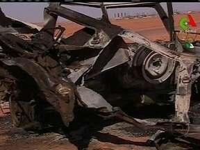 Governo afirma que 37 reféns estrangeiros morreram em tentativa de resgate na Argélia - O governo da Argélia afirmou que 37 reféns estrangeiros morreram na tentativa de resgate do sequestro numa usina de gás tomada por extremistas islâmicos.
