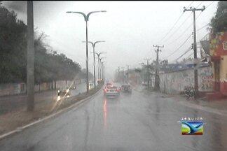 Previsão é de poucas chuvas em 2013 no Maranhão - 2012 registrou os níveis mais baixos de chuvas da última década, segundo os meteorologistas, ficando 60% abaixo do esperado para o ano. Para 2013, a previsão é que esses níveis continuem baixos.