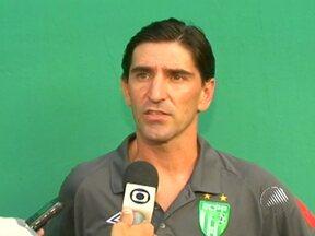 Técnico do Vitória da Conquista reclama da equipe e vai embora - Em nota, a diretoria do clube disse que saída de Fábio Giuntini foi por questões pessoais.