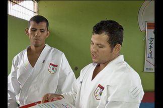 Professores de karatê acusados de agressão devem prestar depoimento hoje - O presidente da federação de artes marcias, Pedro Yamaguchi, informou que o que foi mostrado nas imagens não representa a técnica do Bunkai.