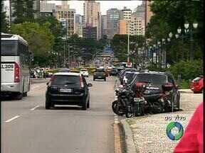 Escola de Samba pedem construção de sambódromo em Curitiba - Você concorda com a construção de um sambódromo na capital?