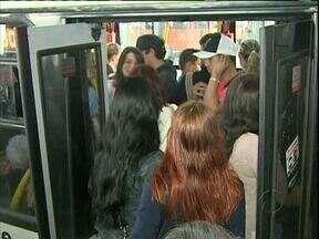 Motoristas pedem mudanças na tabela de horários dos ônibus - Eles reclamam que precisam se apressar para cumprir tabela atual