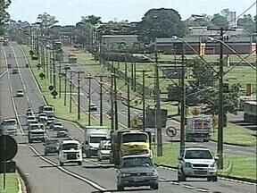 Quase dobra número de prisão de motoristas bêbados - Em um mês de validade das normas mais rígidas, 256 motoristas foram presos por beber e dirigir nas estradas fiscalizadas pela Polícia Rodoviária Federal, no Paraná