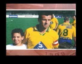 Caio afirma estar ainda mais motivado por jogar ao lado de grandes ídolos no Internacional - Em Nova Iorque, o garoto tirou uma foto com Dunga.