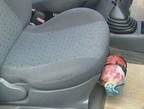 Motoristas devem observar o prazo de validade dos extintores de incêncio dos carros - O detalhe é importante e faz a diferença na hora da utilização.