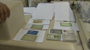 Saiba onde recuperar documentos e pertences perdidos - Shoppings oferecem serviços de achados e perdidos, mas muitos donos não voltam para pegar os pertences.