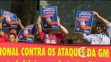 Sindicato recua e demissões podem ser revertidas na GM de São José dos Campos (SP) - Novo encontro no sábado (26) decide futuro dos 1.598 funcionários da montadora.