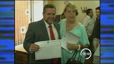 Fernão Dias (PT) é diplomado prefeito de Bragança Paulista (SP) - Ele conseguiu reverter decisão do TRE que havia impugnado sua candidatura.