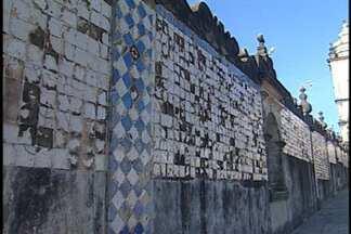 JPB2JP: Patrimônio ameaçado no Centro Histórico de João Pessoa - Centro Cultural São Francisco sofre a ação de vândalos.