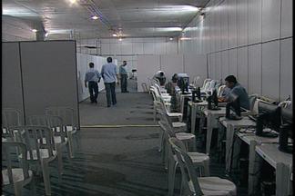 JPB2JP: Tumulto na sede do PBPrev na Capital - Candidatos aprovados em concursos lotaram o espaço para fazer perícia médica.