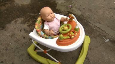 Sociedade Brasileira de Pediatria defende proibição de andador para bebês - O objetivo, segundo os médicos, é evitar acidentes com o aparelho.