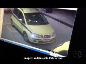 Dois taxistas são presos em operação da Polícia Civil perto da Rodoviária Novo Rio - Alessandro de Amorim e Alan a Cruz foram autuados pelo crime de receptação. Segundo a polícia, eles estavam com documentos e as cores dos veículos adulterados.