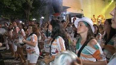 Veja programação de blocos em alguns bairros da capital - Pré-carnaval de Fortaleza segue neste fim de semana