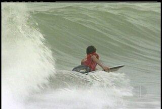 Barra de São João, RJ sedia segunda etapa do Campeonato Estadual de Bodyboard - Cerca de 120 atletas de diversas partes do país participaram da competição.Entre os destaques Fred Verçosa, atleta do município.