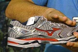 Conhecer a pisada é importante para escolher sapatos adequados para cada tipo de pé - Usar um sapato adequado para a pisada ajuda na saúde e bem estar de quem usa.