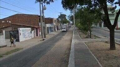 Obra de infraestrutura interrompida no bairro Vila Velha em Fortaleza - Moradores reclamam do atraso da obra.