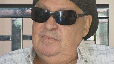 'Amazonense de coração', cantor Roberto Makassa morre em Manaus - Makassa já vivia na capital amazonense há mais de duas décadas.Cantor lutava contra um câncer de próstata há dois anos.