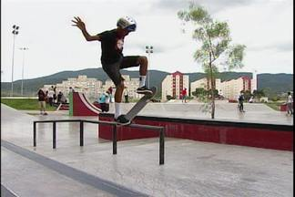 Gabriel Fortunato é a mais nova promessa do skate do Alto Tietê - Ele é uma fera na prancha sobre rodinhas e sabe se experssar como um veterano mas tem apenas 13 anos
