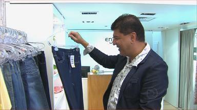 NETV convida consultor de moda para dar dicas na hora de comprar jeans - Para uma calça vestir bem, é preciso provar e ver se o corte agrada. Além disso, existem jeans de vários estilos e cores: fique atento às dicas de Marcos Sales.