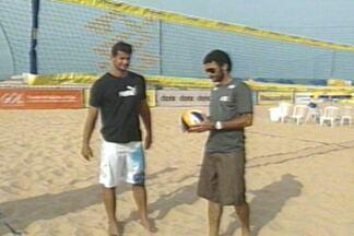 Jorge e Billy se preparam para Circuito Nacional de Vôlei de Praia - Dupla joga junto pela primeira vez. Competição acontece nas areias do Cabo Branco, em João Pessoa.
