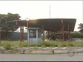 Os terminais de ônibus de Ponta Grossa estão com uma série de problemas - Falta de conservação e e até de estrutura para os passageiros estão entre as reclamações.