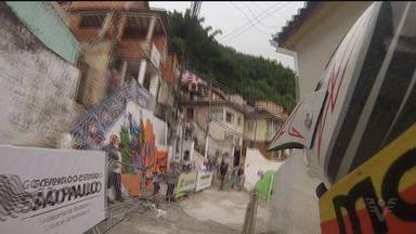 A décima descida das escadarias de Santos reúne os melhores atletas do mundo - A prova acontece no Monte Serrat, a prova principal acontece nesse domingo (17), nesse sábado (16) teve treino e eliminatória.