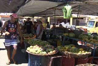 Ministério Público pede interdição de feiras livres em Aracaju - População reclama do mau cheiro, do barulho e do congestionamento no trânsito causado pelas feiras.