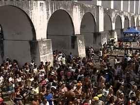 Blocos agitam multidões no Rio - O primeiro fim de semana depois do carnaval ainda é de festa no Rio. No domingo (17), o Monobloco desfila nas ruas do Centro da cidade.