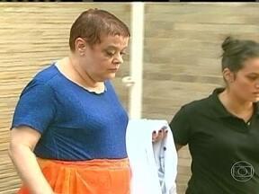 Chefe de UTI em Curitiba é presa por suspeita de ter praticado eutanásia diversas vezes - A médica Virginia Helena Soares Souza Marcelino foi presa enquanto trabalhava. A investigação começou com denúncias de funcionários do próprio hospital. Ela prestou depoimento e vai permanecer presa.