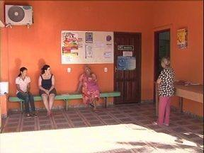 Pacientes que precisam de especialistas ficam sem atendimento em Umuarama - Desde o começo do ano, 14 médicos já pediram demissão. Prefeitura promete contratações emergenciais até a semana que vem.