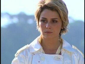 Bárbara mata Tony e se atira no precipício - A megera entrega o dinheiro, declara o seu amor a Paco