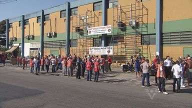 Trabalhadores do Porto de Santos entram em greve - Quatro mil trabalhadores do Porto de Santos, no litoral de São Paulo, entraram em greve nesta sexta-feira (22). Com a paralisação, 17 navios deixaram de ser movimentados.