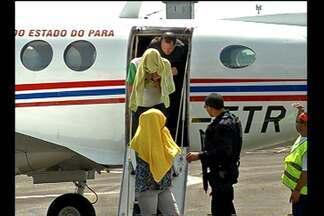 Casal suspeito de comandar rede de exploração sexual no PA está preso em Belém - Eles foram presos em Altamira e chegaram nesta sexta-feira (22) à Belém.