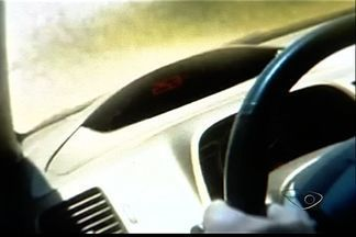 Motorista dirige a 253 km/h, posta vídeo e é investigado no ES - Polícia abriu inquérito para investigar o caso, que aconteceu em Vila Velha.Condutor pode pegar até dois anos de prisão e perda da CNH.