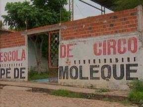 Aulas da Escola de Circo Pé de Moleque não começaram por falta de recursos - Aulas que deveriam já ter começado não tem previsão de ínicio. A Escola atendia cerca de 60 crianças e adolescentes.