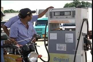 Em Imperatriz, motoristas foram pegos de surpresa com o aumento do preço da gasolina - Em Imperatriz, muitos motoristas foram pegos de surpresa com o aumento do preço da gasolina. Uma boa pesquisa pode fazer a diferença quando o assunto é economizar.