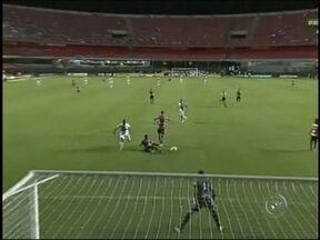 Paulistão 2013: Linense perde para o São Paulo por 3 a 0 - O Linense não repetiu o bom desempenho dos últimos jogos na partida contra o São Paulo, na capital. Perdeu por 3 a 0.