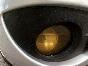 Veja dicas para evitar o acúmulo de água nas lanternas - A mistura de água com eletricidade pode causar curto-circuito e apagar a lanterna. A água também atrapalha a difusão da luz e dificulta a visão dos motoristas. Mas existem soluções. Conheça as dicas.