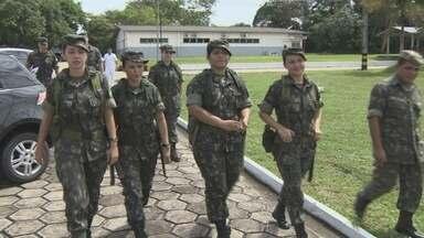 Mulheres ganham espaço nas Forças Armadas - Em alguns casos, elas vão para o combate e lutam contra a violência