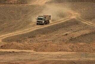 Deputado, Almeida Lima, nega ter usado máquina em obra da sua propriedade, em SE - Máquina foi comprada com recursos públicos.