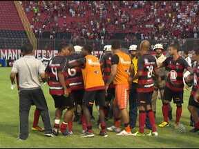 Renato Cajá e Caio Junior são punidos pelo STJD - Os dois foram expulsos do jogo contra o Ceará, que eliminou o Rubro-Negro da Copa do Nordeste.