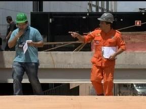 Corpo de Bombeiros faz duas vistorias no local onde vai ser o show de Elton John - O Centro Internacional de Convenções do Brasil tem as condições mínimas de segurança, de acordo com os bombeiros. A administração acaba de conceder licença para o show, que está marcado para às 21h:30.